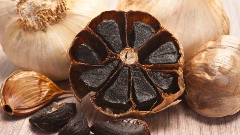 Die erstaunlichen gesundheitlichen Vorzüge von Schwarzem Knoblauch