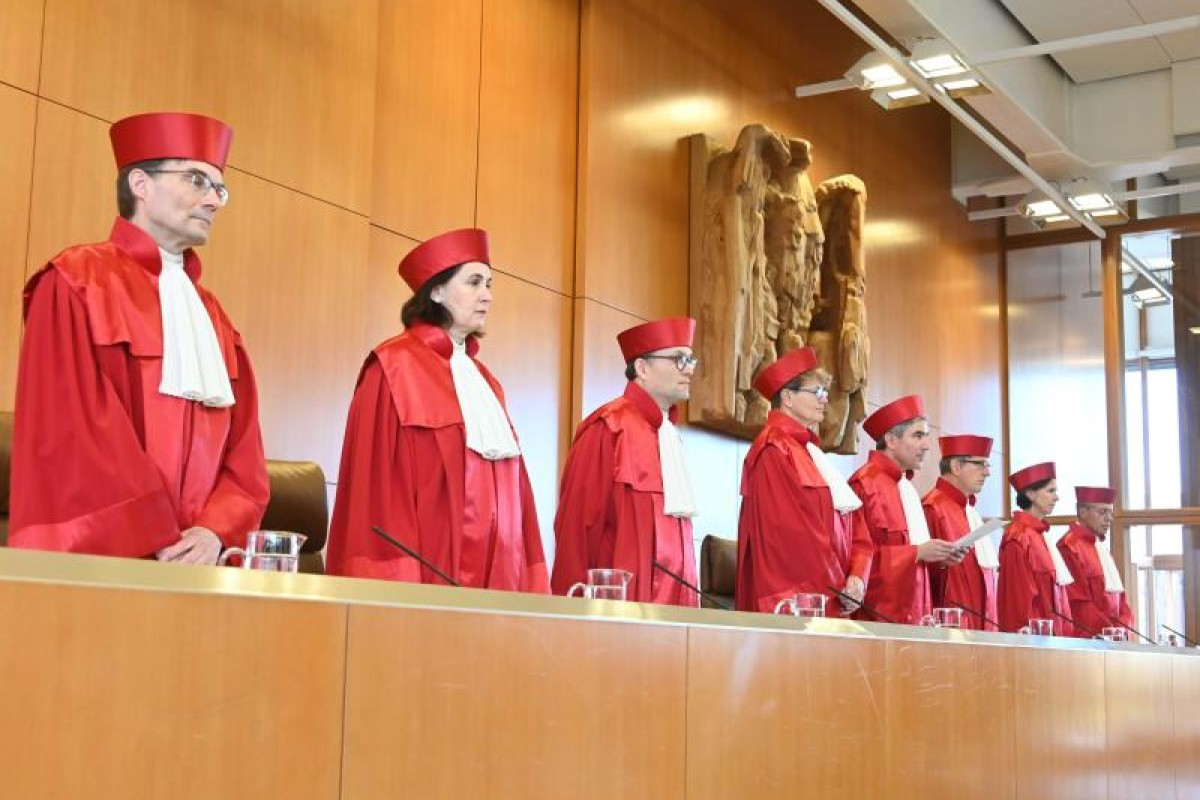 Verfassungsgericht entlarvt BRD als Diktatur: Demonstrationsrecht gilt trotz Corona-Pandemie