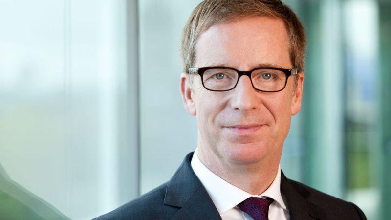IW-Chef Hüther will Ungeimpfte vom Versicherungsschutz ausschließen